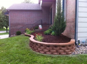 39 Build In Planters Around Decks And Patios. Planters With Short Walls Of  Bricks ...