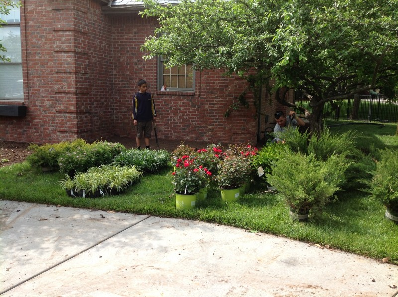 Front yard landscaping ideas landscape design wichita ks for Lawn and garden services