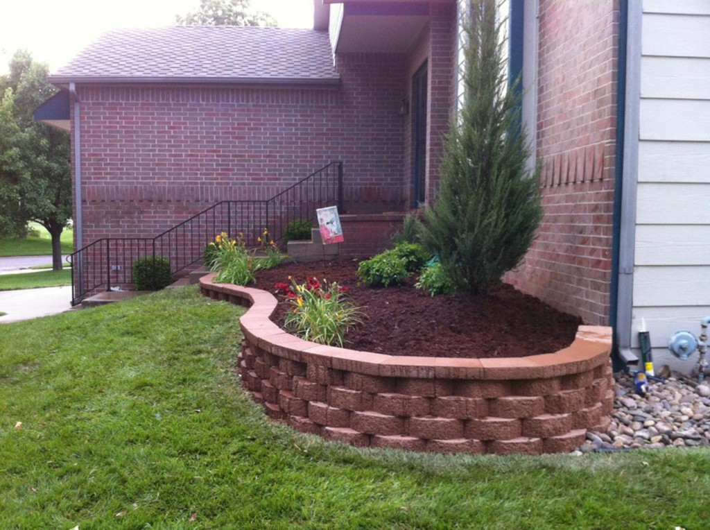 Retaining Walls | Landscape Construction - Hardscapes | Wichita, Kansas