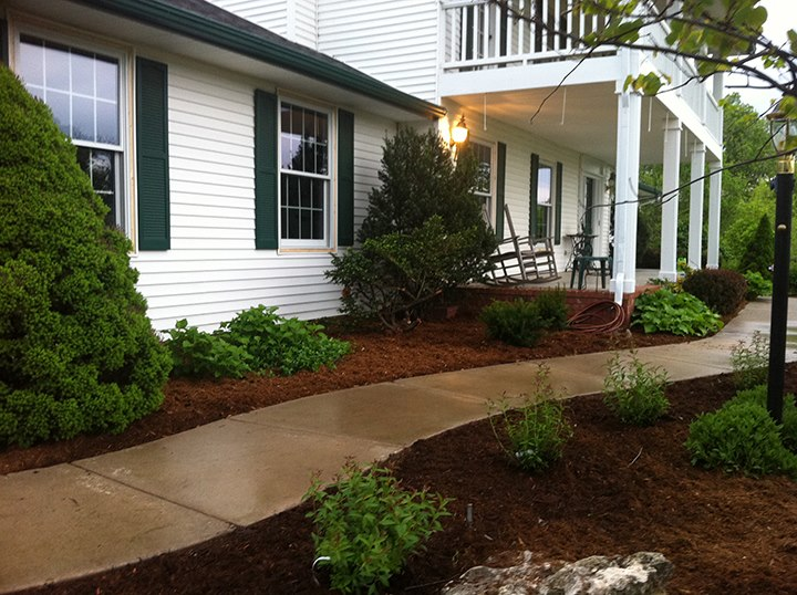 Landscaping your Front Yard - Wichita