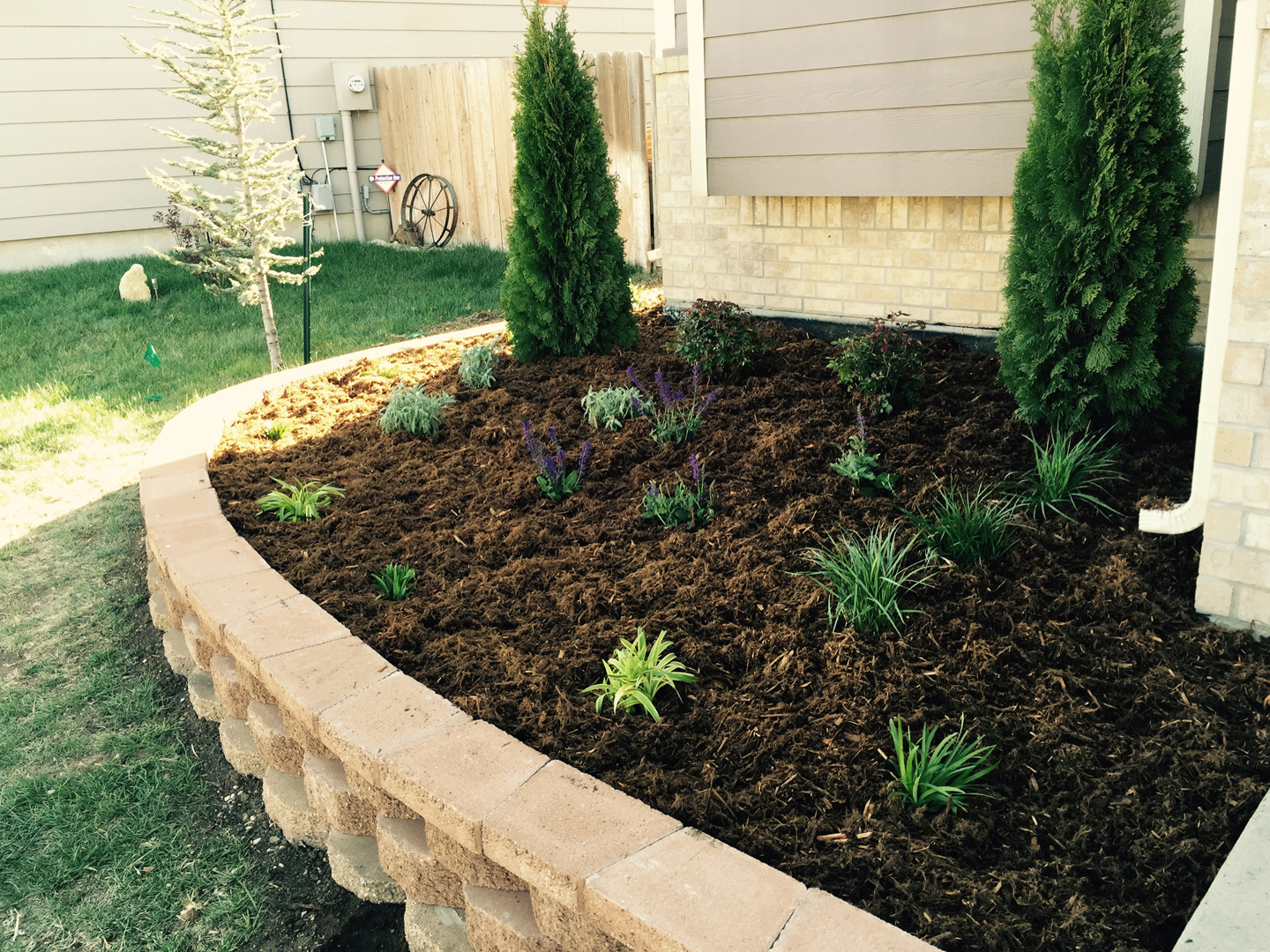 Landscape construction daniels lawn and landscaping services for Lawn and garden services