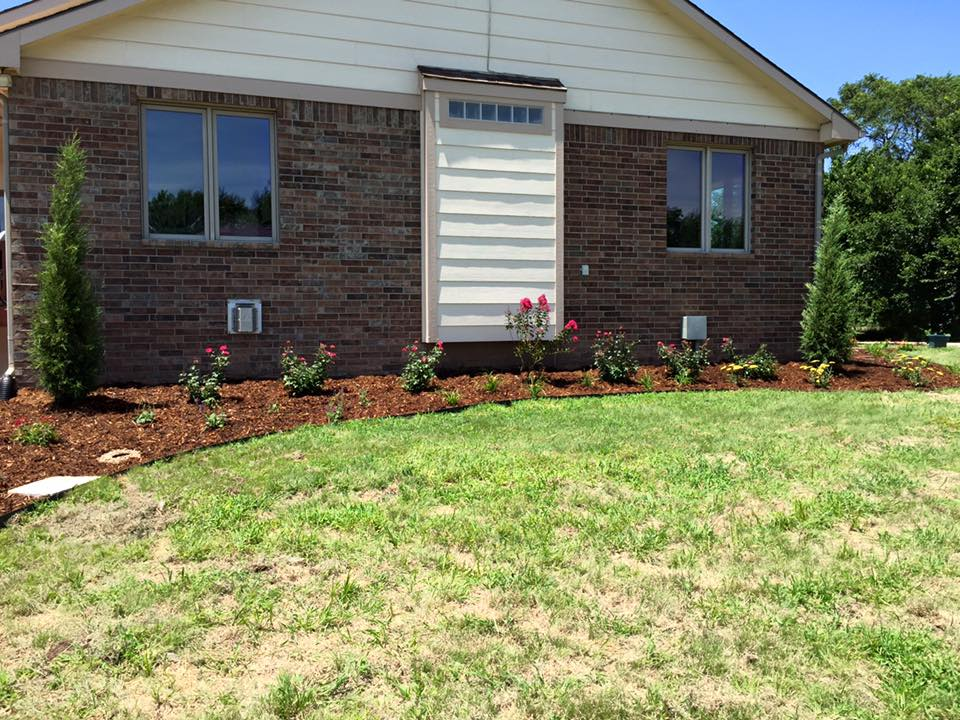 25 brilliant landscaping nearby wichita for Lawn and garden services