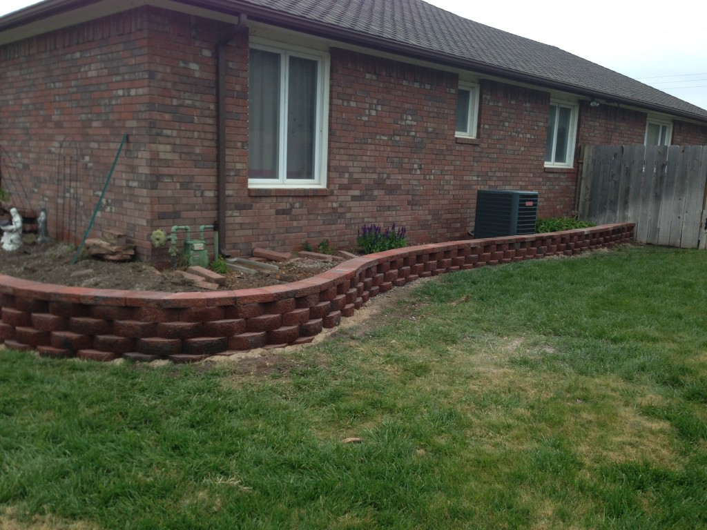 Cool Retaining Walls Landscape Wichita With Timber Retaining Wall Design.